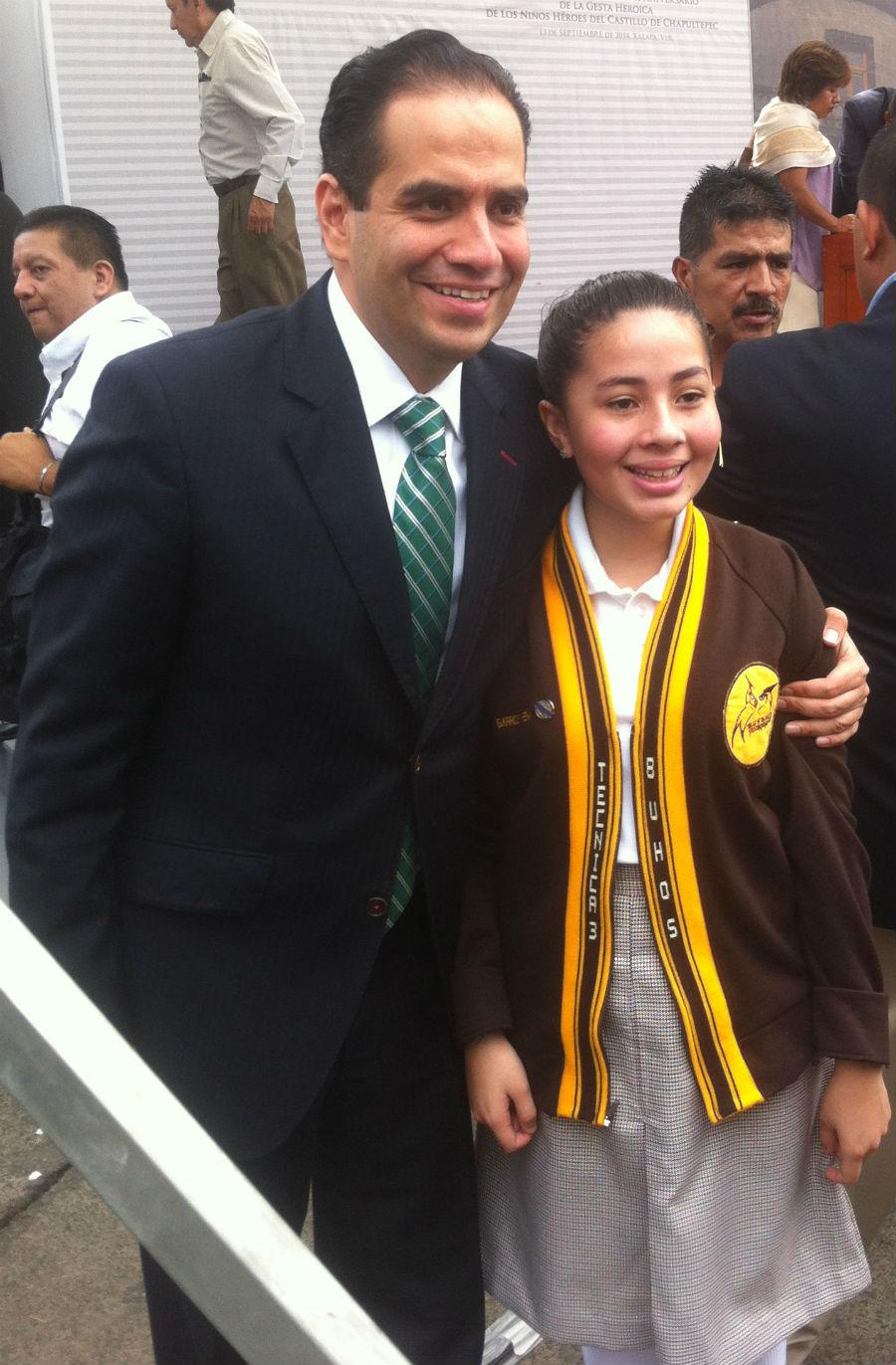 Alumna del 28 de mayo en el parque mamando guayaquil - 1 5